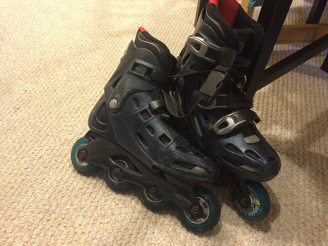 A good ol pair of rollerblades